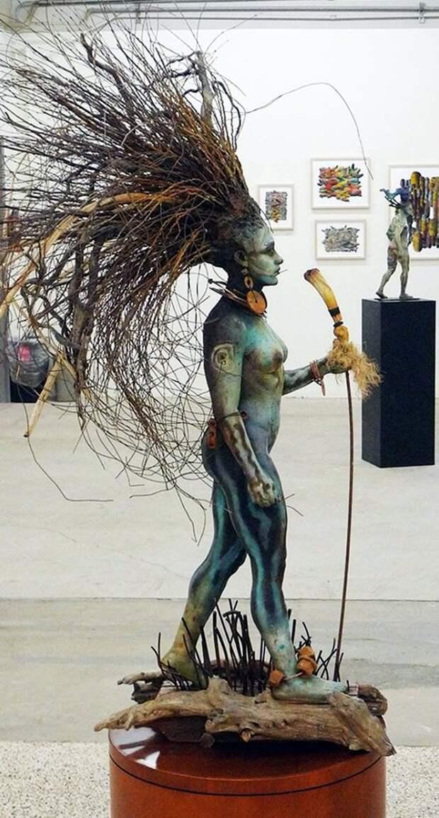 Антропоморфные скульптуры из различных материалов