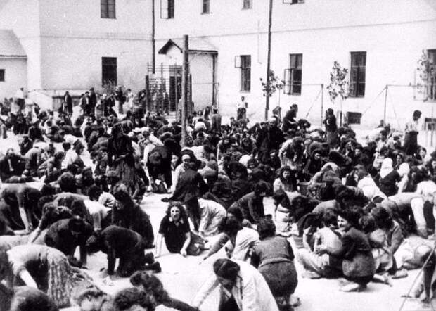Как украинские националисты из ОУН Степана Бандеры убивали еврейское население на Украине в 1941 году (ФОТО 18+)