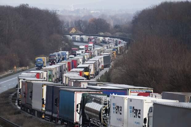 """Польских перевозчиков возмущает, что Россия """"выдавливает"""" их из бизнеса"""