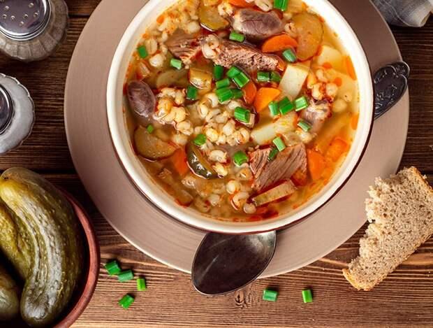 Рассольник по-деревенски. Традиционный суп на обед и ужи