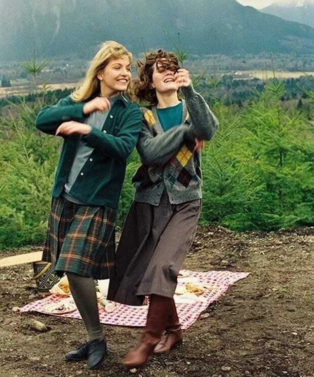 Лара Флинн Бойл и Шерил Ли на съемках Твин Пикс (1991).