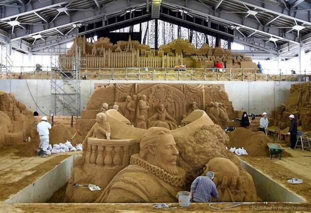 Песочные скульптуры на дюне Тоттори