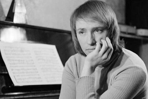 Один из самых востребованных композиторов-песенников в СССР | Фото: kino-teatr.ru