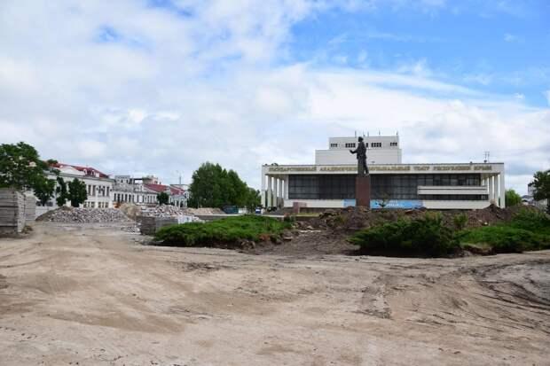 Главе Симферополя вынесли выговор за незаконченную в срок реконструкцию площади Ленина