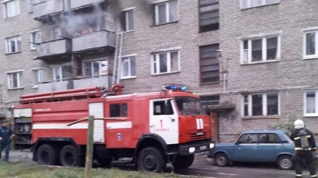 В Ижевске пожарные спасли десять жителей