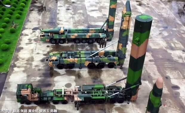 Тихо и эффективно: ракетчики КНР начали тренировки в виртуальной реальности