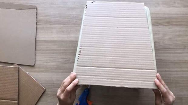 Бюджетная и полезная идея из сломанного пластмассового табурета