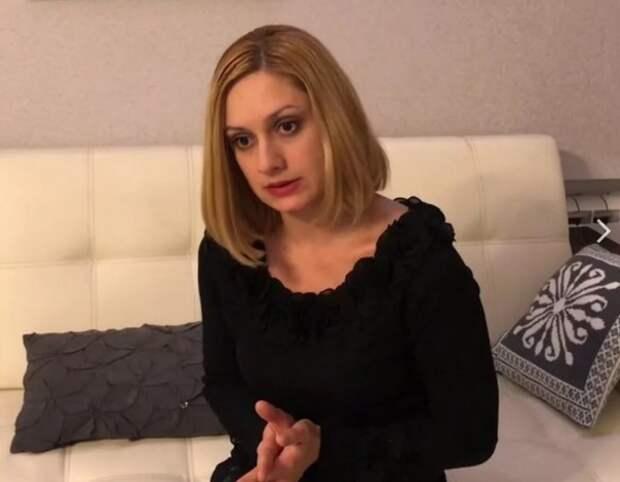 """Семья Карины Мишулиной подписала петицию о закрытии ток-шоу """"Пусть говорят"""""""