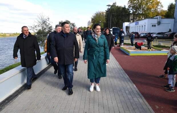 Игорь Руденя, Владимир Васильев и Юлия Саранова посетили Мигаловскую набережную в Твери