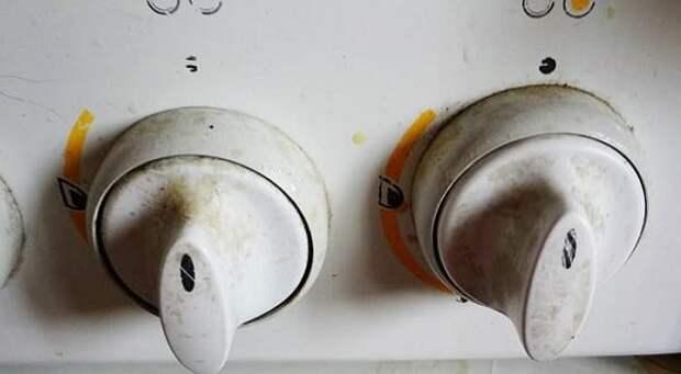 Копеечное средство, которое устраняет жир на ручках кухонной плиты быстро и без усилий