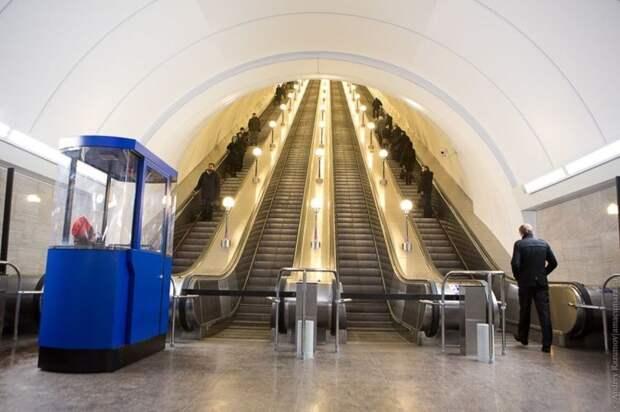 В Петербурге две станции метро 31 декабря закроют досрочно