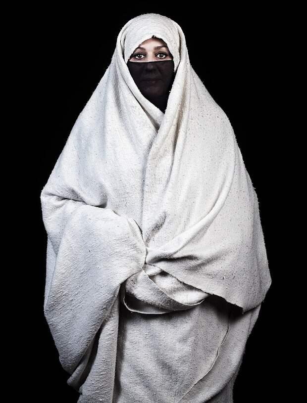 марокканка-берберка в хиджабе фото