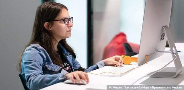 Учителя в Москве 21 октября провели почти 150 тыс уроков в МЭШ
