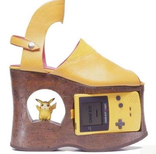 Обувь с Пикачу