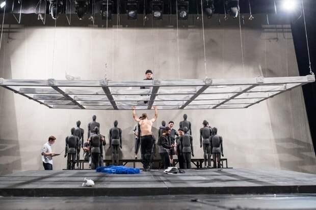Жители Ижевска смогут до премьеры оценить сценографию и костюмы спектакля «Вий / За чертой»