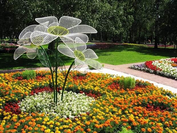 neobychnye-ukrasheniya-dlya-sada_11