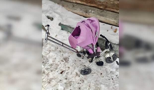 Водитель иномарки сбил трехлетнего ребенка вколяске наУрале