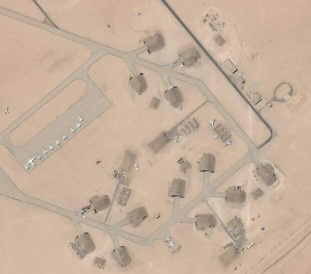 ВО: в Ливии на базе Аль-Джуфра спутник заснял российские штурмовики Су-24
