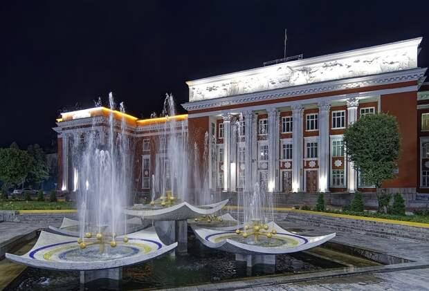 Фамилии новорожденных таджиков запретили русифицировать