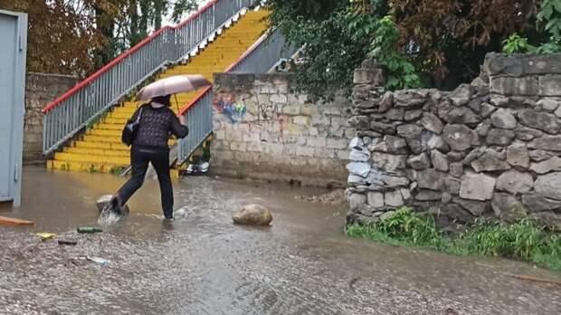 Жители Нальчика показали, где находится самая глубокая лужа вгороде
