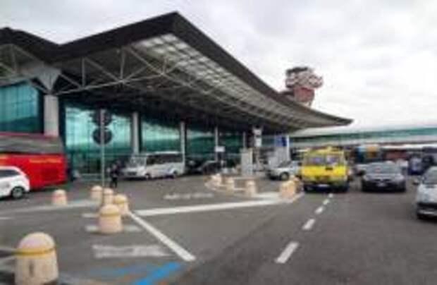 Детали двигателя Boeing упали на пригород Рима