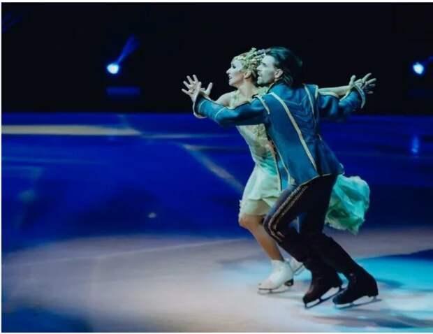 Годовалая дочь Анастасии Заворотнюк появилась в ледовом шоу Татьяны Навки