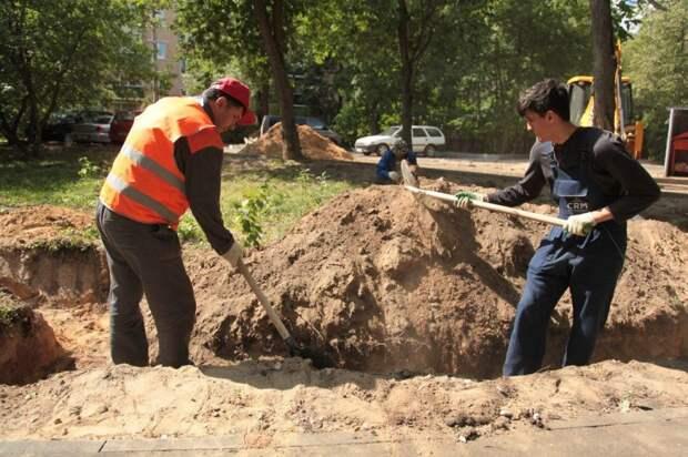 На Шарикоподшипниковской восстановят газон после разрытий
