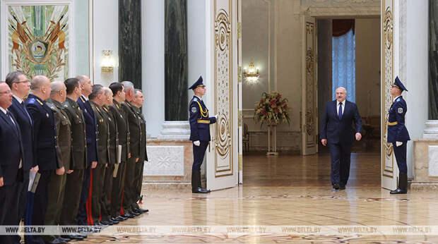Лукашенко упрямо продолжает настаивать на многовекторности