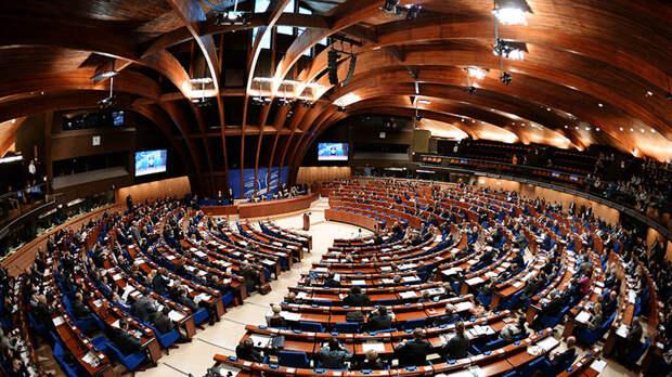 «ПАСЕ защищает права агрессора»: 7 стран покинули сессию ассамблеи из-за восстановления прав России