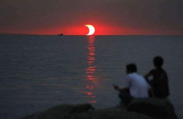 Закат и солнечное затмение, происходящие в один и тот же момент интераесное, факты, фото