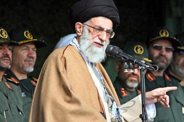 Аллах дал. Трубки, лошади и икра каждый день. Красивая жизнь великого властителя Ирана.