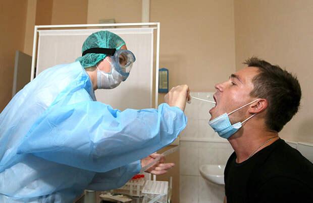 Прививка от коронавируса не спасет от сдачи ПЦР-теста после поездки за границу