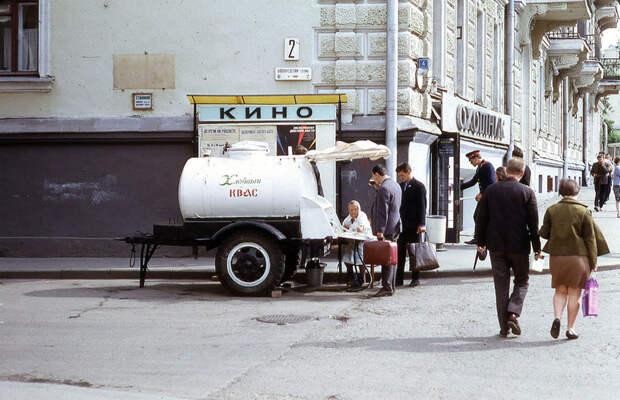 Советский квас - легендарный напиток из бочки