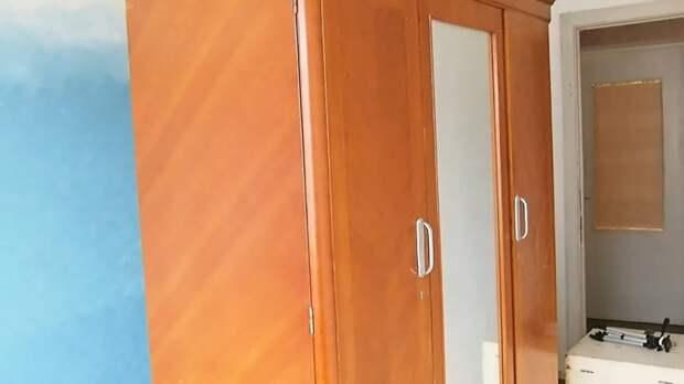 Новый шкаф из старого советского. Достойно, а главное — совсем не дорого