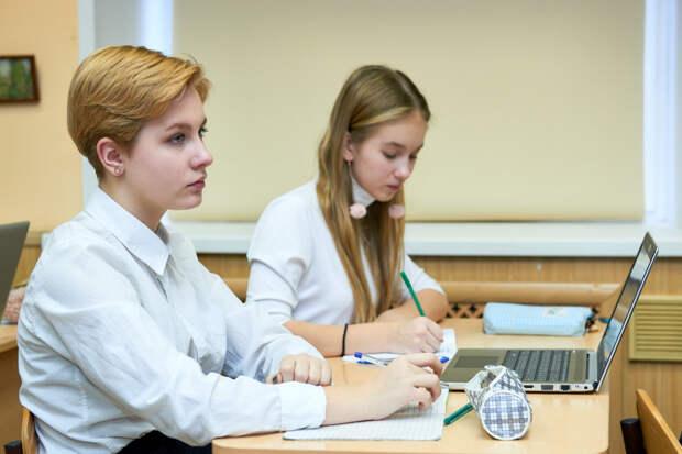 В России проходит ЕГЭ по биологии и иностранным языкам