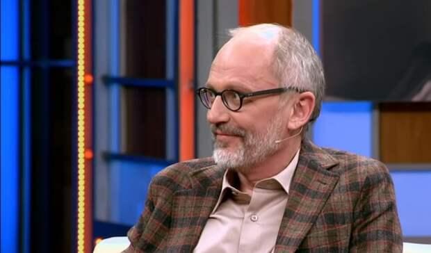 Друг Александра Гордона рассказал о госпитализации телеведущего с коронавиурсом