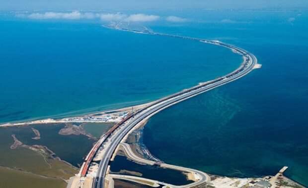 Крымский мост пользуется популярностью у водителей грузовых фур