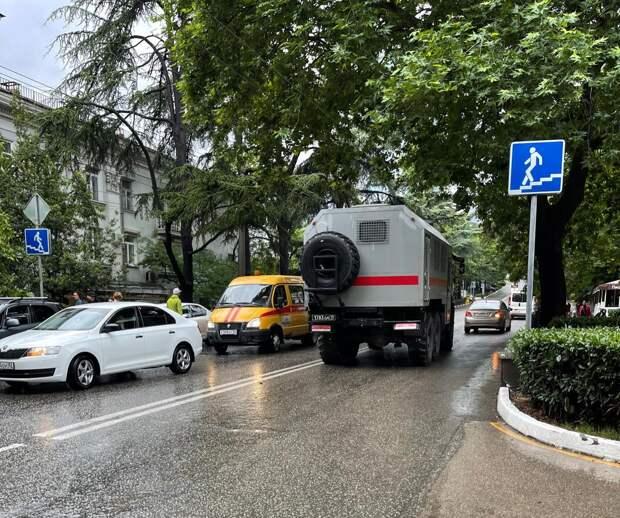 Прокуратура Крыма проводит проверку в связи с затоплением на территории Большой Ялты