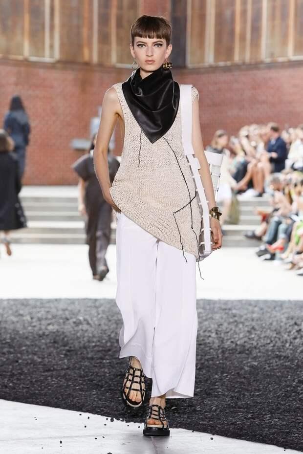 Косынки из кожи, которые все будут носит весной —  на показе 3.1 Phillip Lim (фото 7.2)