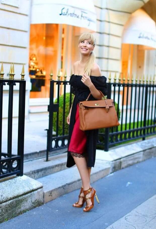 повседневный образ в бельевом стиле для женщины 40 лет