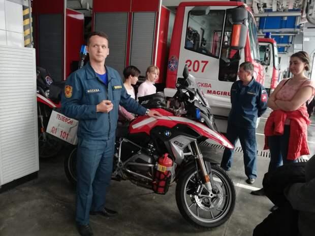 Обмен опытом: пожарные провели экскурсию для сотрудников Московского авиацентра. Фото: Департамент ГОЧСиПБ