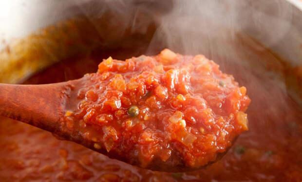 Кетчуп больше не покупаем: намешали соусов к еде за 5 минут
