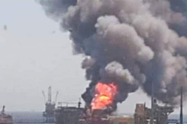 Взрыв на платформе Pemex обвалил добычу нефти в Мексике