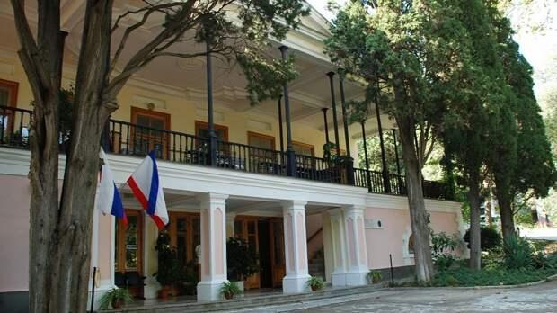 Владимир Путин дал поручение отреставрировать музей Пушкина в Гурзуфе