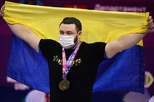 Украинский тяжелоатлет выиграл чемпионат Европы и написал о «сгоревшей Москве»
