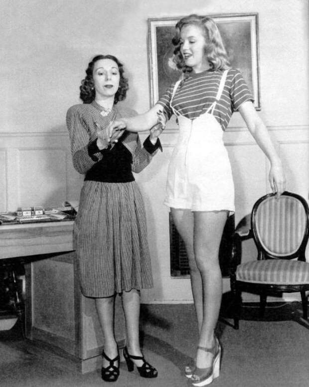 Первый фильм ещё юной Мэрилин Монро: Редкие кадры со съёмок картины «Опасные годы» (1947)