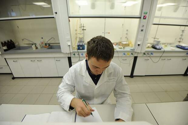 Журнал Lancet распустил группу ученых, изучавших происхождение коронавируса