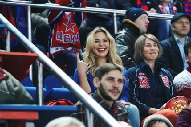 Пелагея и хоккеист Телегин тайно поженились