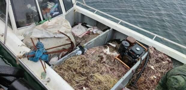 У берегов Крыма задержали украинское судно с браконьерами