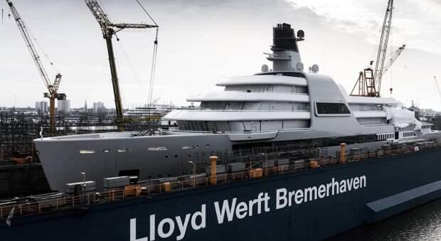 Яхту длиной 145 метров достраивают для Абрамовича